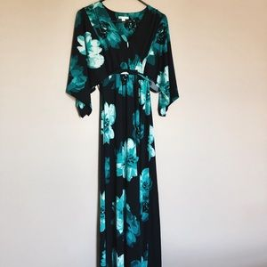 Women's Floral Maxi Dress in Size Small